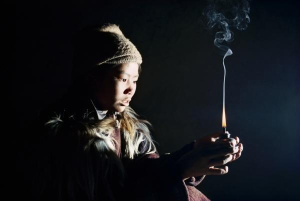 Durant une soiree d'hiver avec Chonzom au Zanskar (Himalaya indien)     /     A winter evening with Chonzom in Zanskar  (Indian Himalaya)