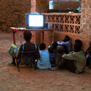 La television du village, Mali     /     The village television set, Mali
