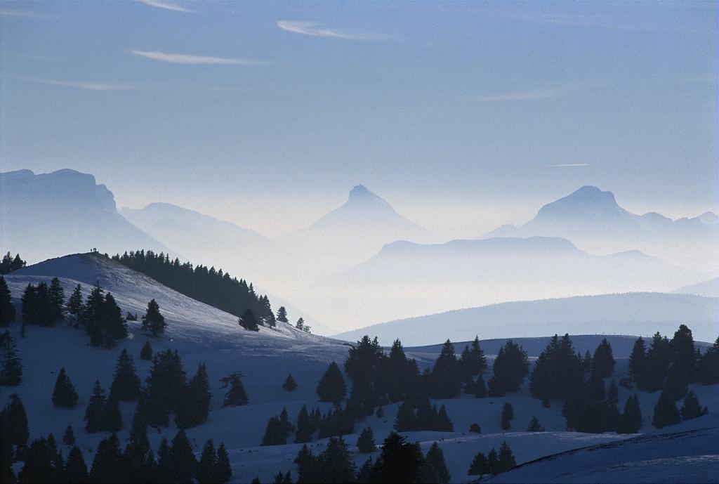 Le Parc naturel regional du Massif des Bauges dans les Alpes francaises. / The regional natural park of the Massif des Bauges in the French Alps.