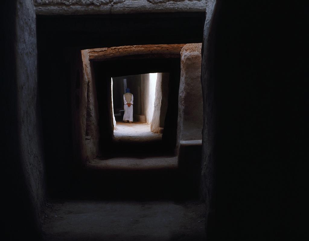 Haut lieu de la culture berbere, la vieille ville de Ghadames est concue pour protéger de la chaleur du desert (Libye)