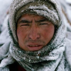 Le visage d'un porteur gifle par le vent, Zanskar, Himalaya indien