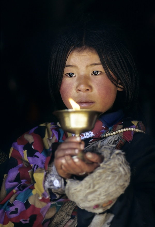 Devotion at Jokhang holy temple at Lhasa (Tibet)